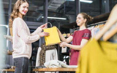 Cómo ser un buen vendedor de ropa: ¡Todo lo que necesitas saber!